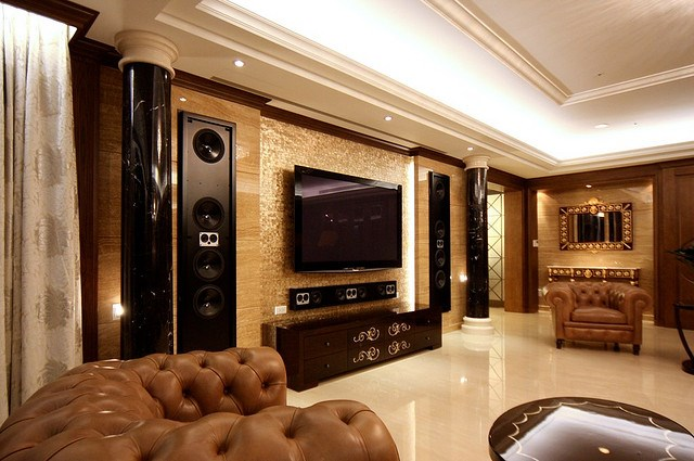 Home theater living room design home design for Living room theater