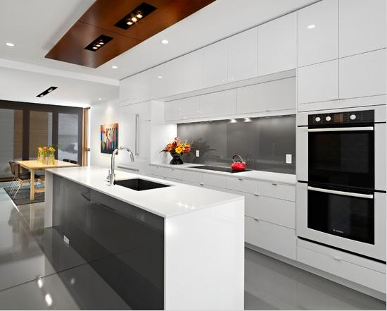 Elegant plus White Minimalist Kitchen and Dining Room