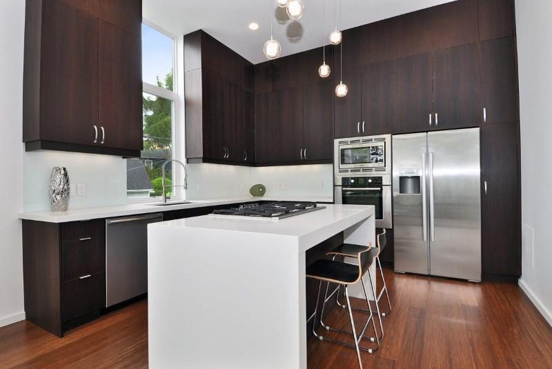 Minimalist Kitchen but Functional