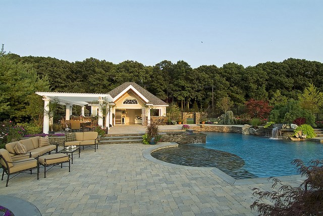 full home backyard with the water fountain for swimming pool
