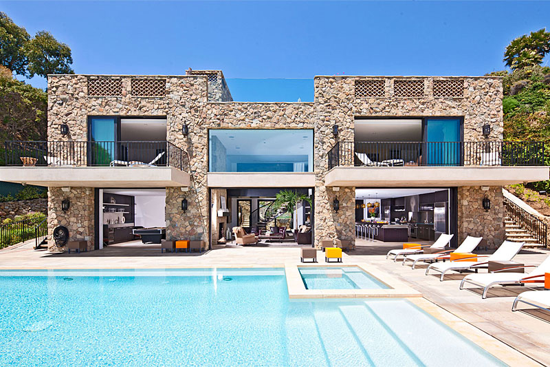 $26 Million House & for Sale on Malibu Beach
