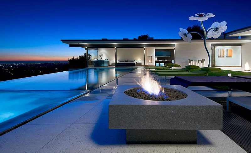 Dream Home - Luxury Home with Stunning Views in Los Angeles