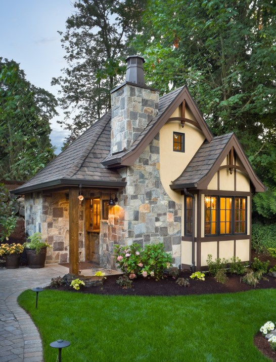 Rivendell - Cottage - 10 Cottage Home Decorating Ideas