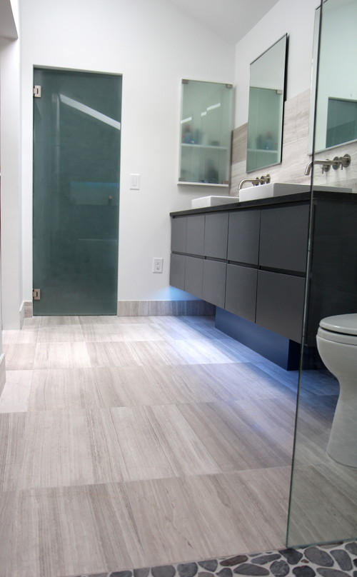 contemporary bathroom photo