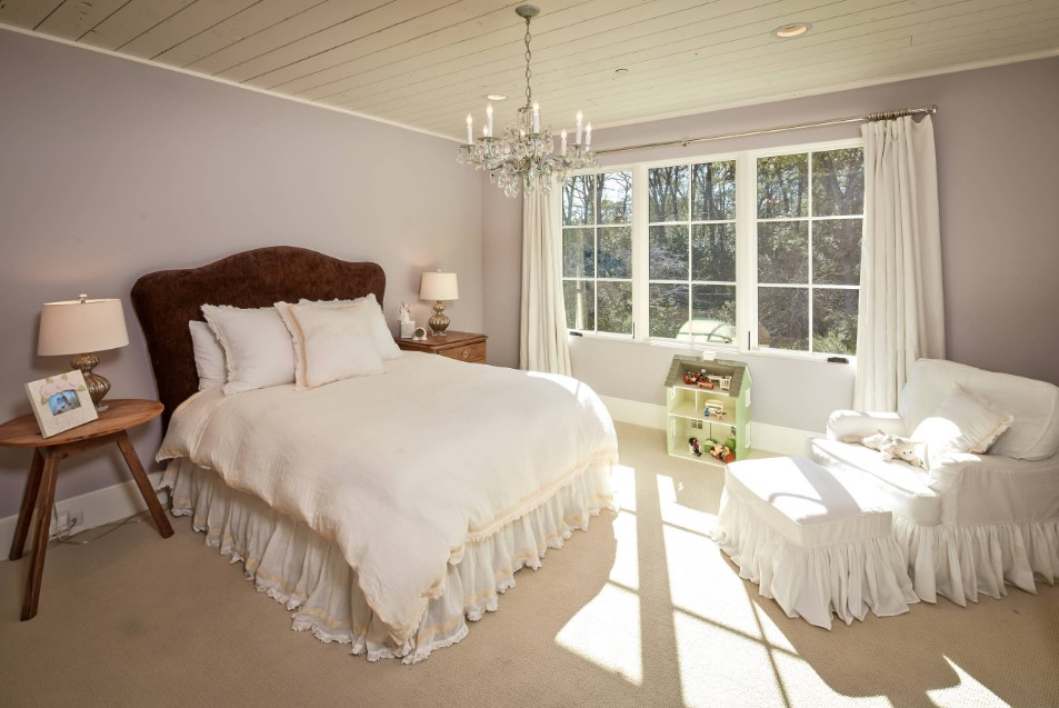 Shasta traditional kids bedroom - houston