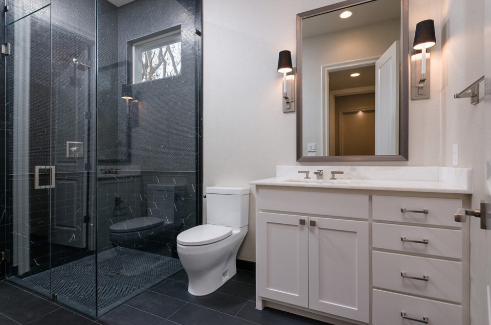 cjb SIGNATURE SERIES HOMES transitional bathroom - dallas