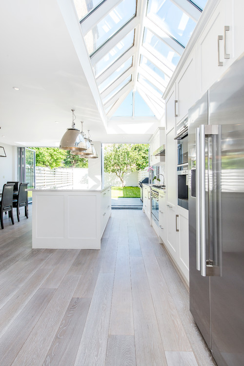 bishops park contemporary white kitchen design - london 3